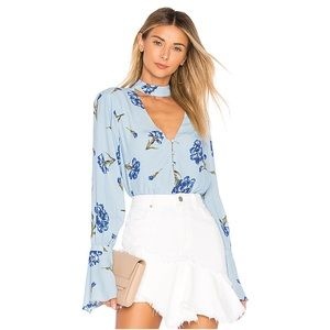 L'ACADEMIE Anette Bell Sleeve Cut Out Floral Top